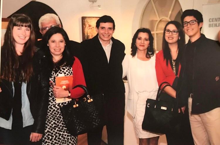 ellen jaworski with ecuadorian host family